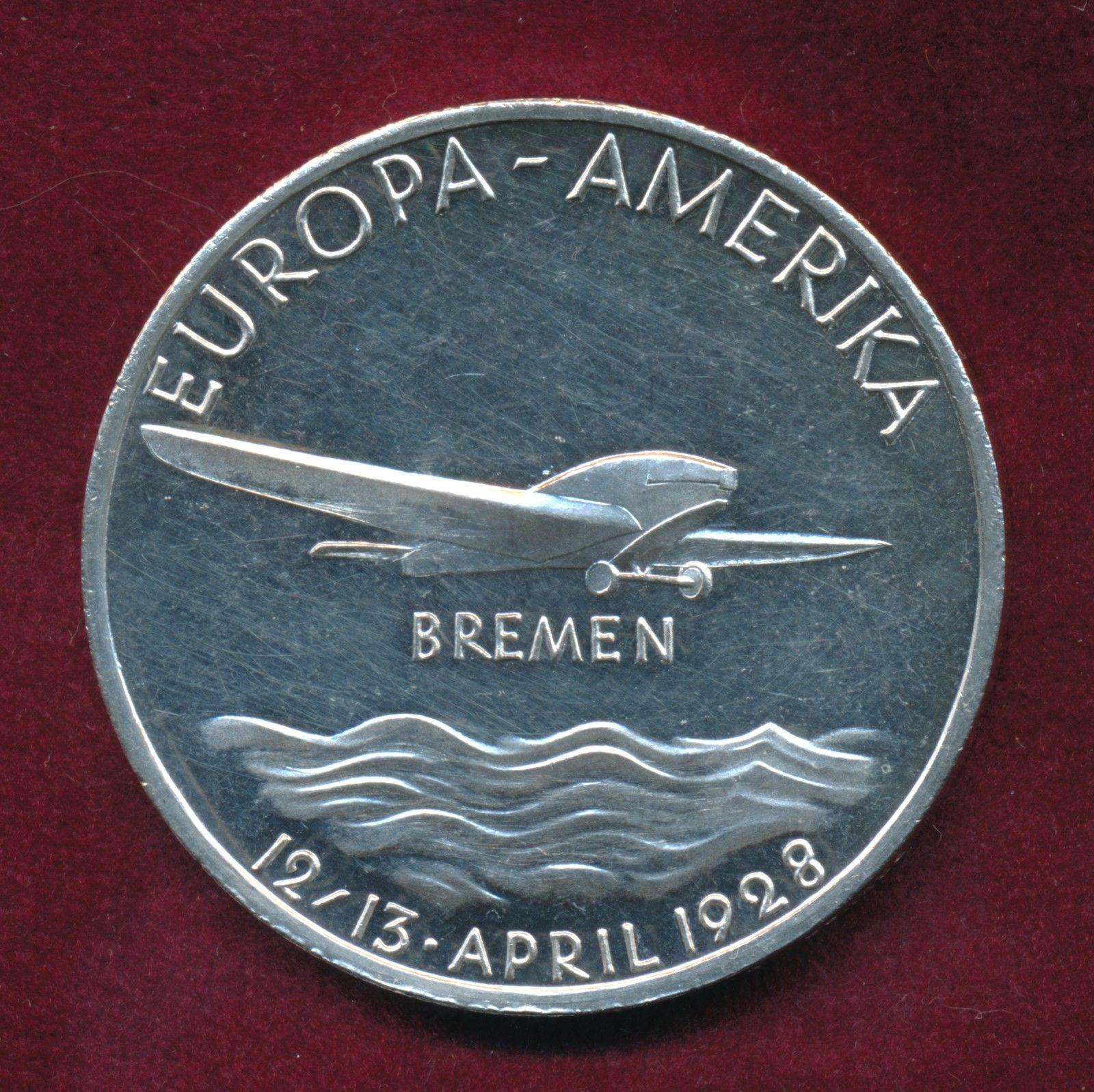 Plakette zur Erinnerung an den ersten Transozeanflug von Hünefeld